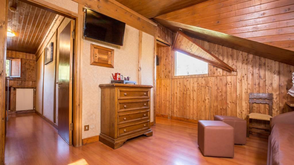 Hotel-Togo-Palace-Terminillo-Rieti-camera-002