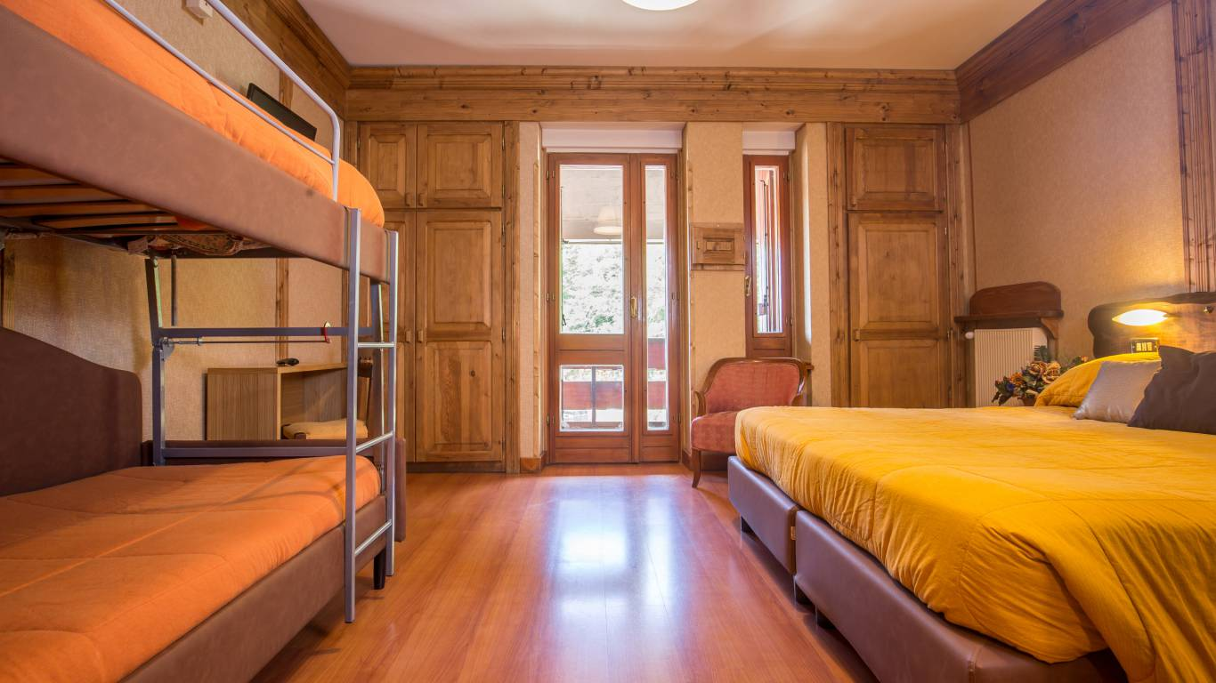 hotel-togo-palace-terminillo-rieti-quadruple-room