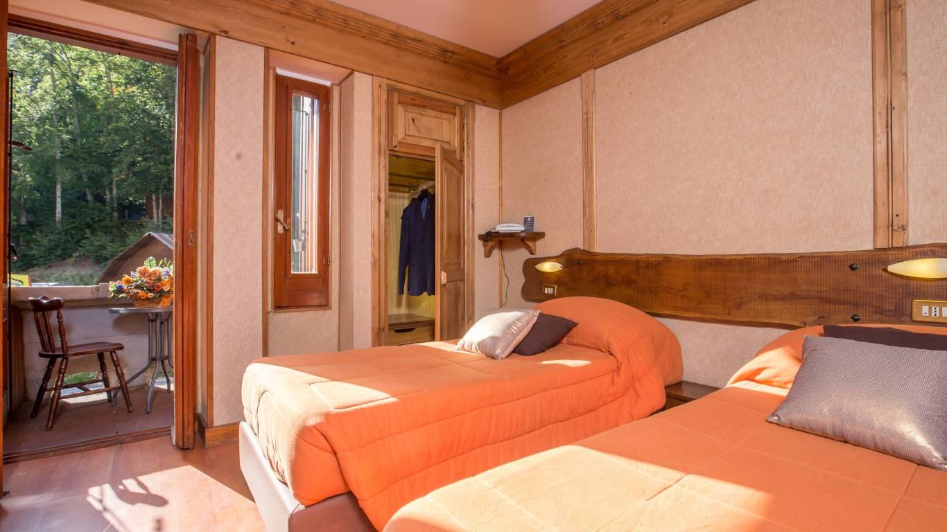 Hotel-Togo-Palace-Terminillo-Rieti-room-098
